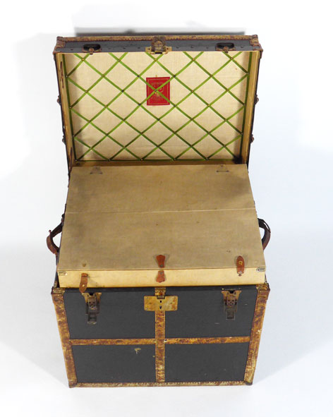 malle de voyage w w winship catalogue les antiquit s bolduc. Black Bedroom Furniture Sets. Home Design Ideas