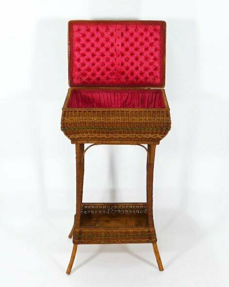 Meuble de couture en rotin catalogue les antiquit s bolduc for Catalogue de meubles en rotin