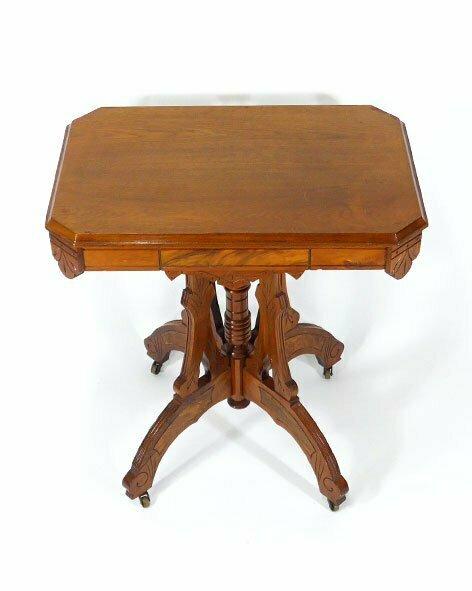 table-eastlake-frene-2