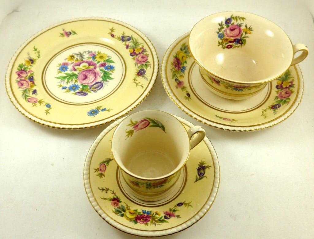 set-vaisselle-hampton-fleurie-2